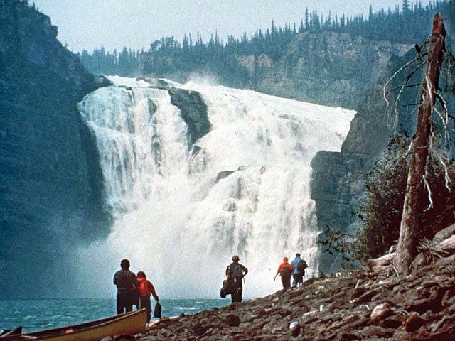 долина безголовых - водопад