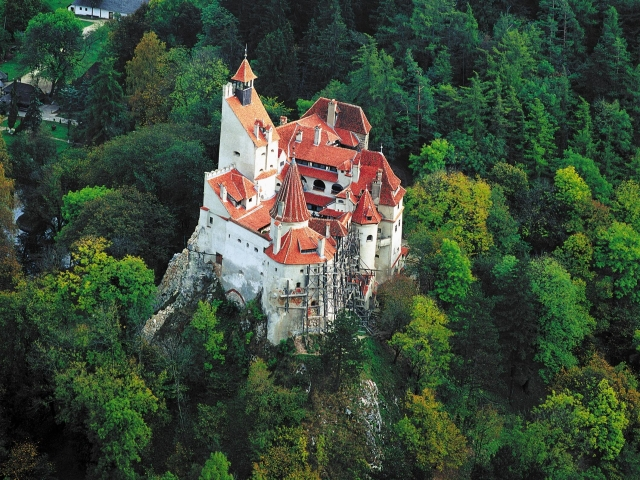 замок дракулы сверху