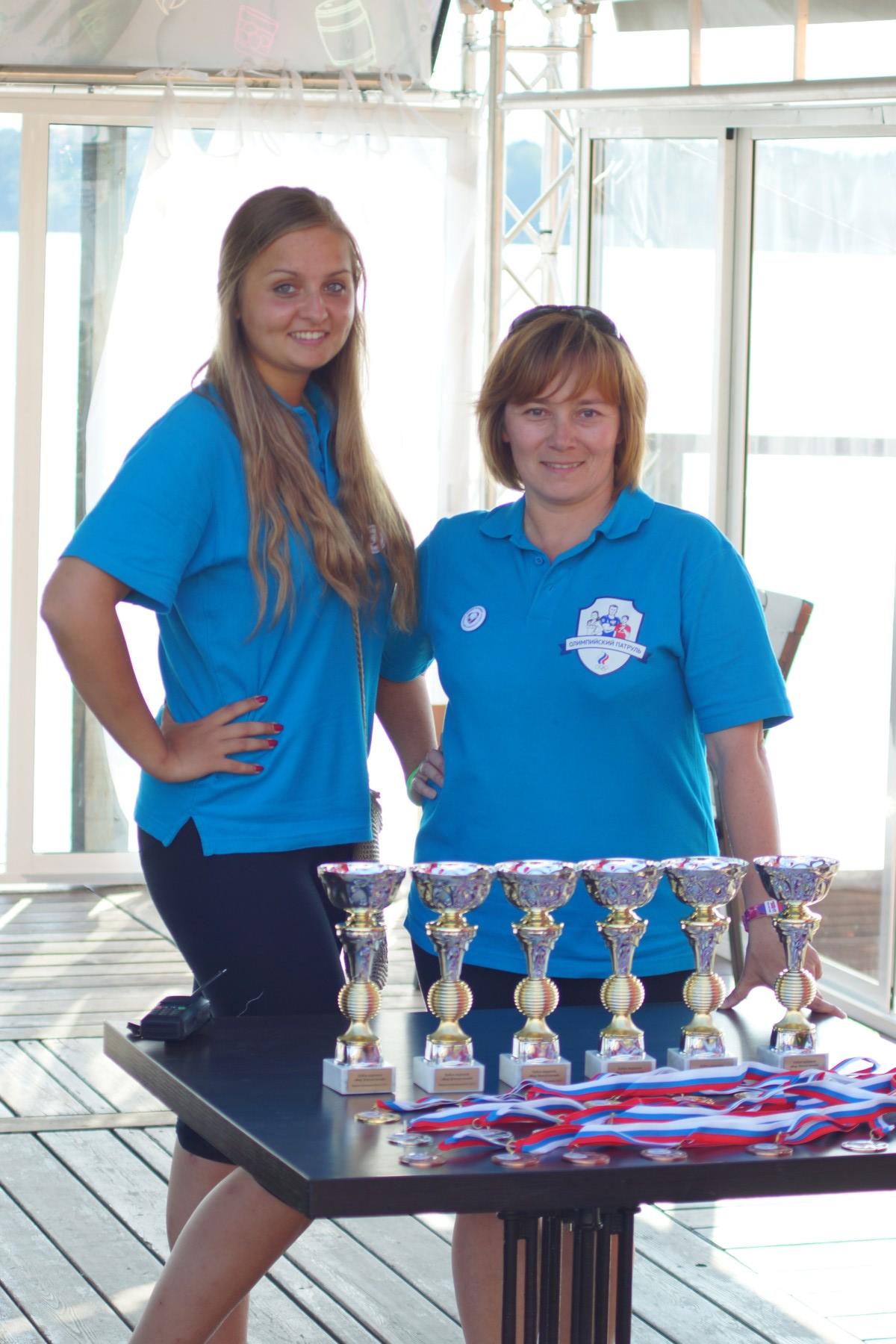 Волонтеры - фото