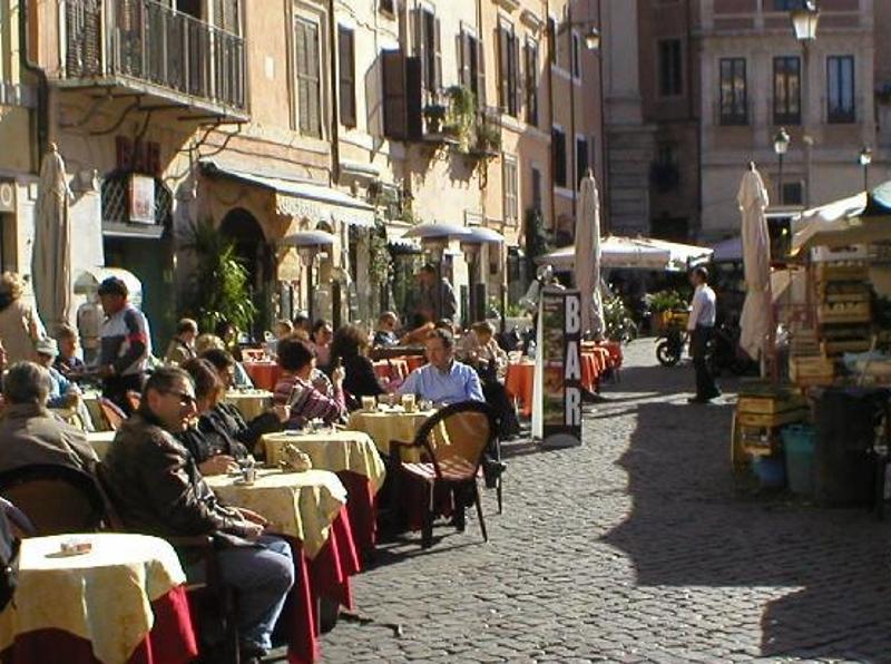 Рим - улочки - кафе