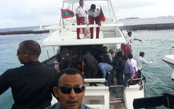 президент мальдив на катере