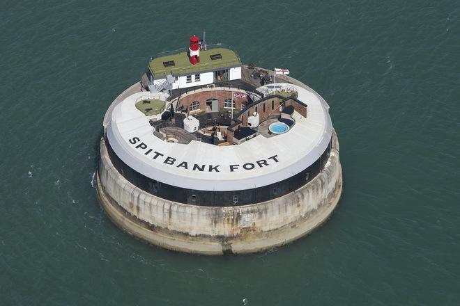 """Форт """"Спитбанк"""" Spitbank Fort"""