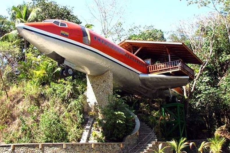 дом-самолет в коста-рике