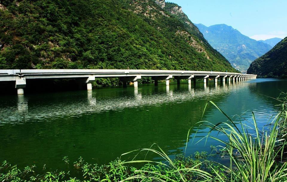 мост вдоль реки - 2