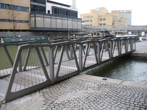 мост раскрылся