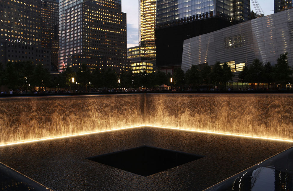 9/11 2012 V segodnjashnem reportazhe 20 foto stroitel'stva Vsemirnogo torgovogo centra 1 v N'ju-Jorke.