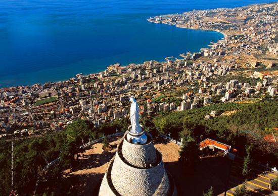 Статуя Богоматери Ливанской на горе Хариса