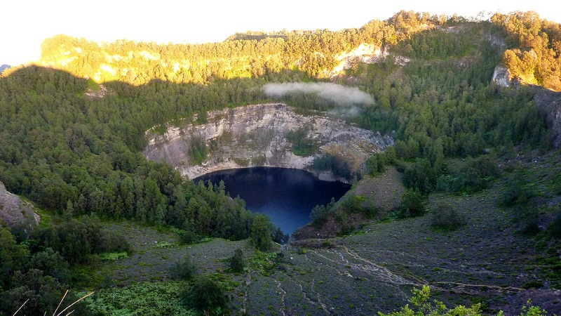 6-Озеро Тиву-Ата-Мбупу. Вулкан Келимуту