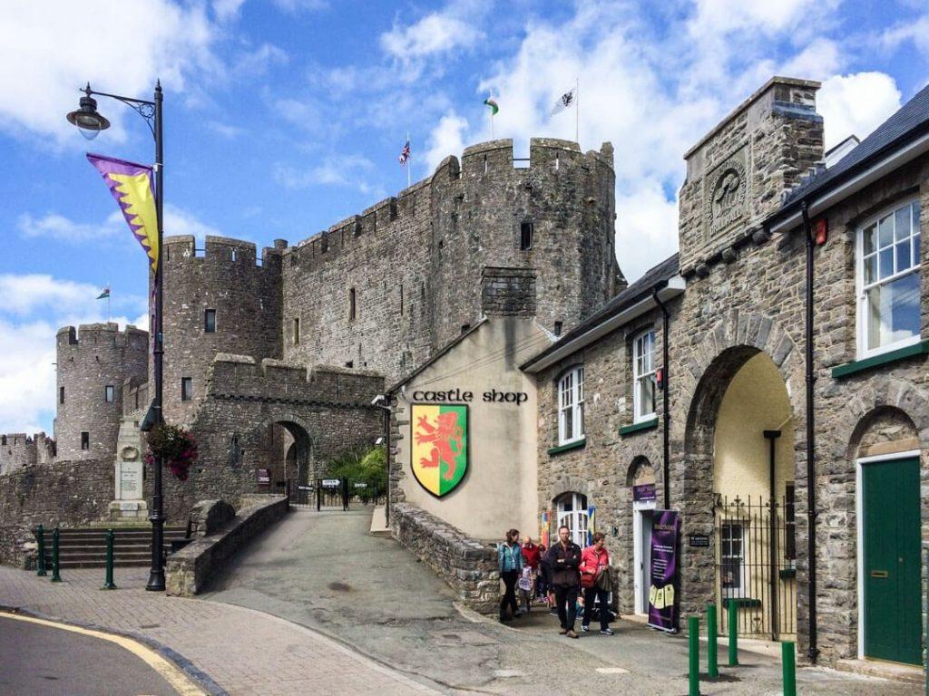 уэльс - замок - магазин