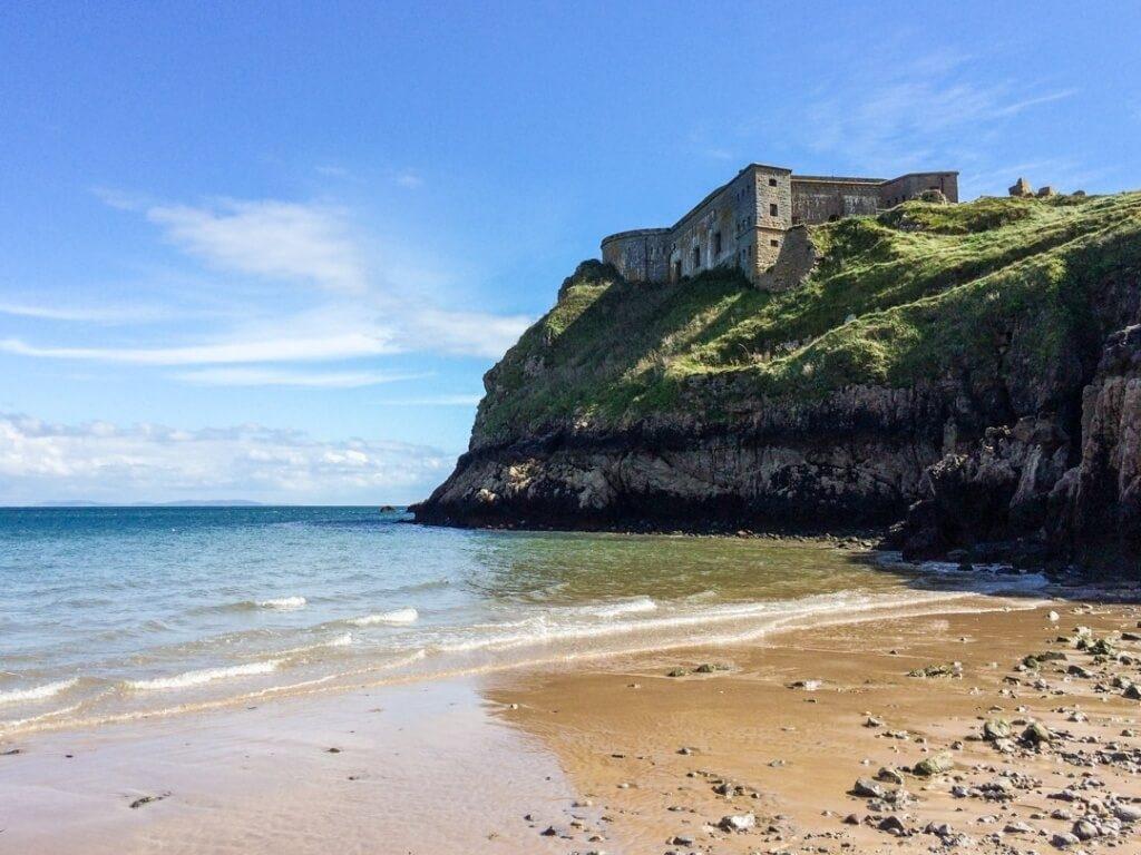 уэльс - замок на скале