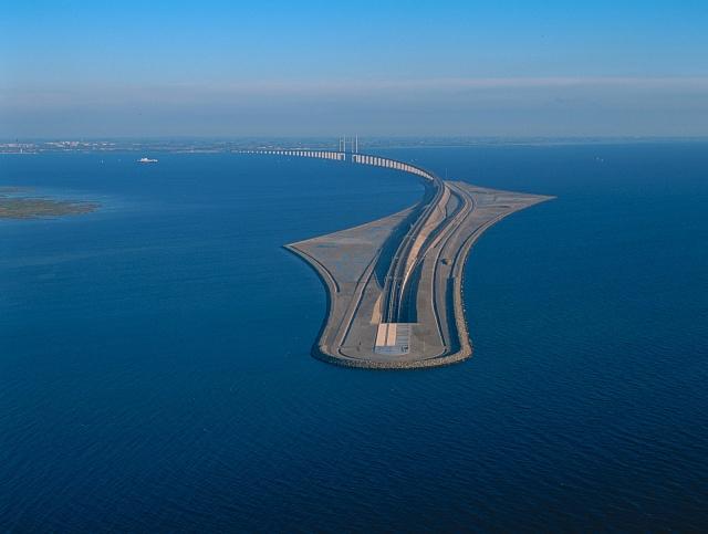 Эресуннский мост-тоннель, соединяющий Копенгаген и Мальмё