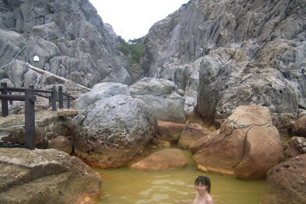 onsen-na-ostrove-shikine